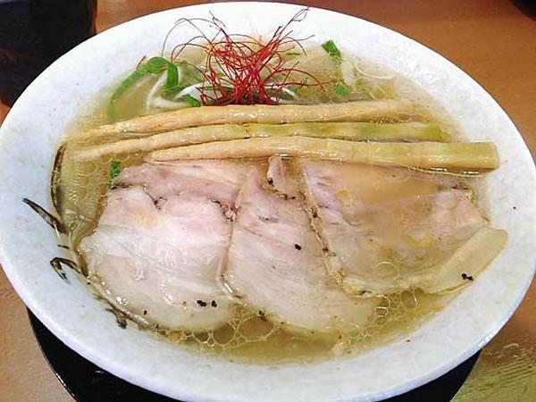 大量のワタリガニを出汁に使った絶品ラーメンが京都にあり!